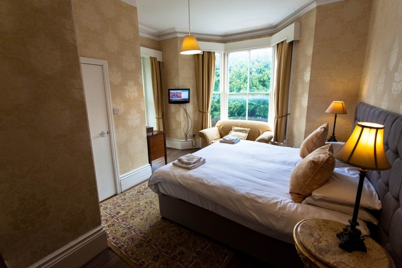 Large Double Twin Room Buxton 2