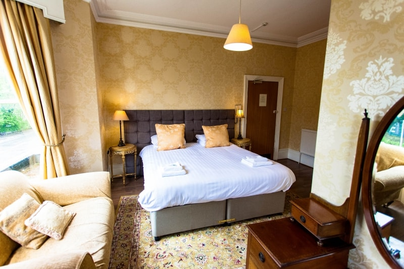 Large Double Twin Room Buxton